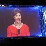 Avaustäysistunnon pääpuhujana oli USA:n entisen presidentin puoliso Laura Bush.