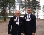 Ystävykset Paavo Rautio ja Tuomo Holopainen vaihtoivat kuulumisia mm. menneen kesän golfkierroksista ja tietenkin lions-toiminnasta